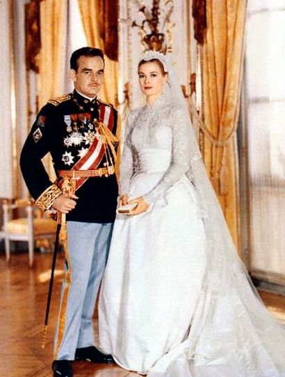 Royal Wedding Gowns Vanessa Kelly Author
